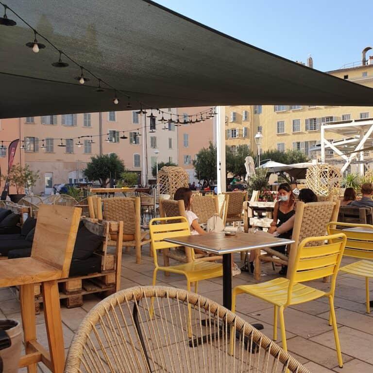 Terrasse Place de l'Équerre Toulon